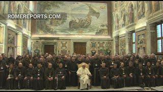 El Papa a los franciscanos: Estáis llamados a sentiros pequeños ante Dios
