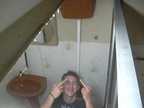 flagra no banheiro