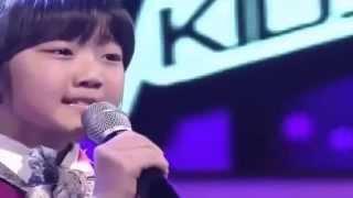 ذا فويس كوريا | طفلة صوتها رهيب تذهل الحكام والجمهور...