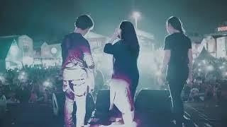 Kilms & AIU ft Savira Razak live @Summarecon Mall Bekasi (Vira nya lagi hamil gede hehe)