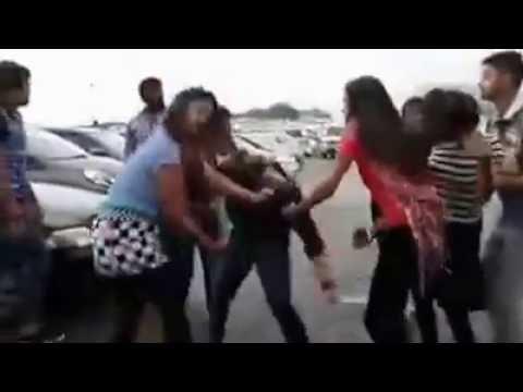 Delhi University Girl Fight And Abuse