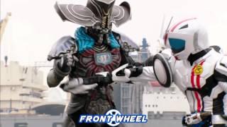 Kamen Rider Mach showing skills