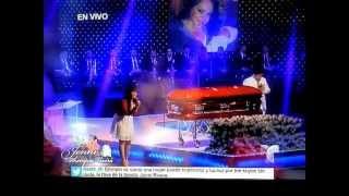 "Jenni Rivera Funeral Service ~Jackie le canta a su madre ""Tu Estas Aqui"""
