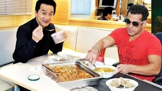 Jackie Chan To Host A SPECIAL DINNER For Salman Khan
