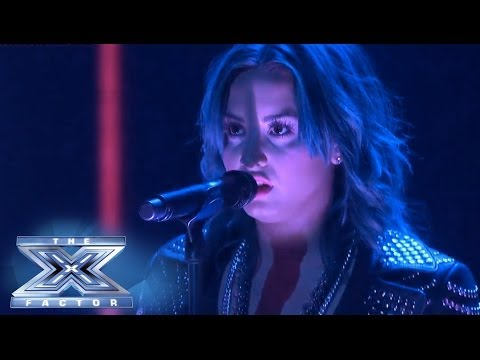 Demi Lovato is Live On Stage!