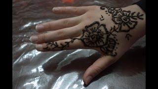 How To Draw Henna Design _ تعلمي أجمل طريقة لنقش الحناء على يديك الحلقه١