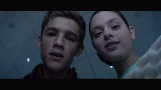 The Giver 'Jonas and Fiona' clip - In UK Cinemas 19th September