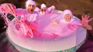 PINK SLIME HOT TUB *250 GALLONS*