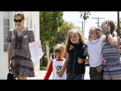 Jennifer Garner With Samuel And Seraphina For Sunday With Friends