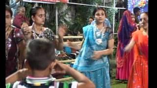 Gujarati Garba Song Navratri Live 2011 - Kalol - Darshna Vyas, Vipul Panchivala - Day-4 Part-12