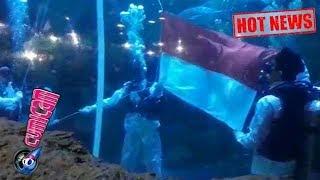 Hot News! Keren! Ini Video Saat Aurelie Kibarkan Bendera di Bawah Laut - Cumicam 17 Agustus 2017