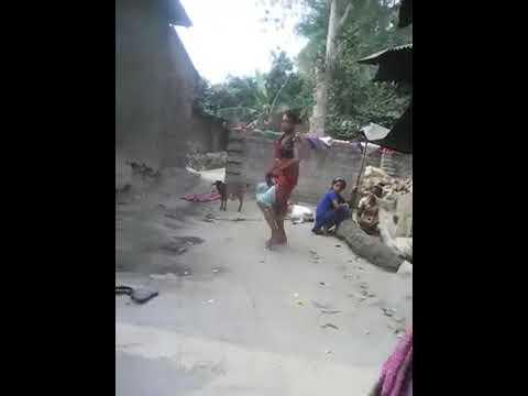Xxx Mp4 Indian Funny Funny Whatapp Video Bihar UP Sas Bahu Ki Ladae Gandi Bat Xxx Women Fight 3gp Sex