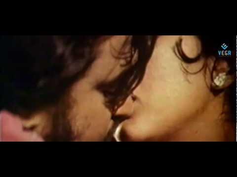 Xxx Mp4 Rajini Kanth And Sri Priya Kissing Scene Allavuddin Adbutha Deepam 3gp Sex