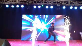Dheeru Nagda  evnt dance video in Fri sis marriage rajveer ..keep dancing #D dreamer here guyz