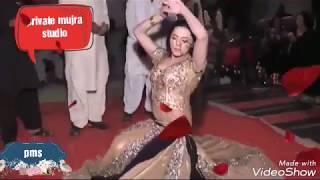 HOT AND SEXY WEDDING MUJRA || ANKH SY JHALKA ANSO || LATEST MUJRA 2017