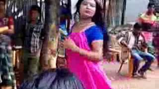 লাভ মি।Love Me. kelor kirti ছবির দারুন ভিডিও গান।