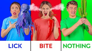 BITE, LICK OR NOTHING FOOD CHALLENGE    Halloween 'Trick or Treat' Taste Test by 123 GO! CHALLENGE