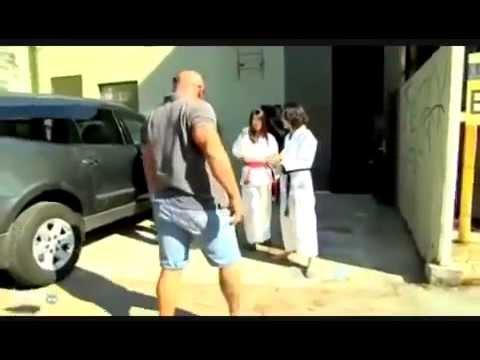 Girl VS Boy Beats Up Big Guy Need Police