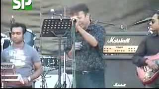 Pakistani Singer Alamgir Sings Bangla Song Amay Bhasaili Re