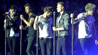 One Direction - Moments - Bercy