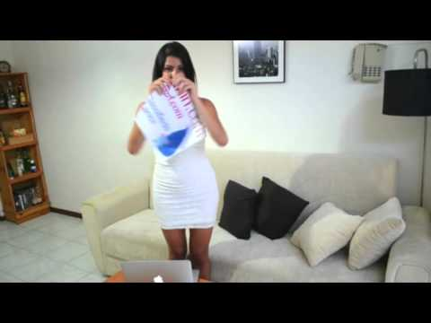ikman lk මෙයා මේ දාන වැඩේ කොහොමද   Sexy Sri Lankan Girl with Paper Trick