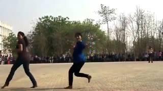 Maari Thara Local Dance Pre Flashmob Tamil girls kuthu songs
