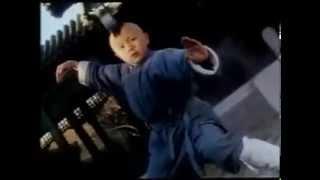 معجزة من معجزات الكونغ فو طفل صغير يلعب كونغ فو