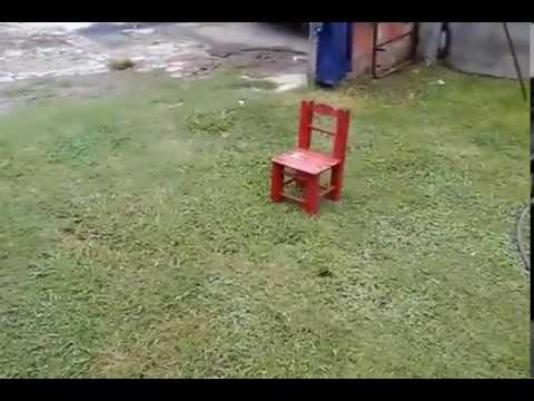 La silla q se mueve sola vidoemo emotional video unity for Silla que se mueve