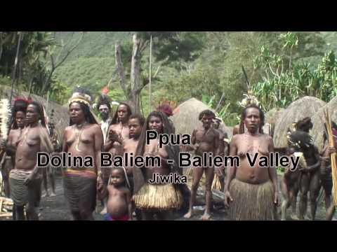 Papua Baliem Valley Jiwika village festival Dolina Baliem