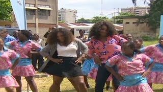 Williams sisters show off dancing skills in Nigeria