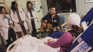 Watch Luke Bryan Bring Holiday Cheer to Patients in Hospital