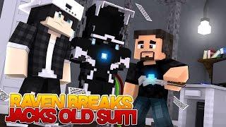 Minecraft Adventure - RAVEN BREAKS ONE OF IRONMANS SUITS