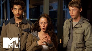 Dylan O'Brien And The 'Scorch Trials' Cast Explain The Movie's Red-Hot Setting   MTV News