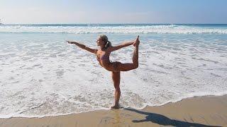 4K BIKINI BEACH YOGA BLOOPER - Andrea Gets Wet!