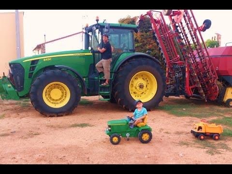 Video for children. TRACTOR John Deere tractors with tipper trailer machines for kids children