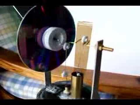Stirling engine motor con lata de atun
