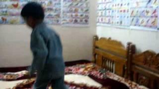 naveen dancing for kutti pisase song