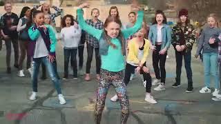 ديسباسيتو رقص اطفال روووعة  شاهدو للاخر