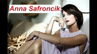 AURORA TAVIANI (Anna Safroncik) - Protagonista delle TRE ROSE DI EVA 4