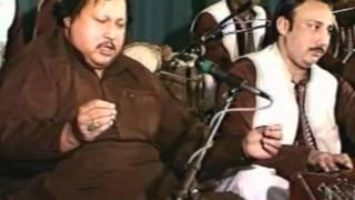Nusrat Fateh Ali Khan Live in a concert at London