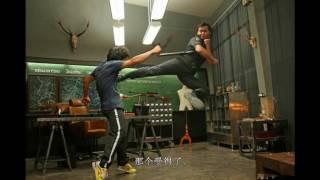 《杀破狼2》片场照,演员就餐不卸妆,吴京托尼贾哈哈大笑