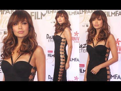Xxx Mp4 Esha Gupta Hot At Filmfare Glamour And Style Awards 2017 3gp Sex