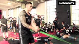 All Blacks hit the gym in Cardiff