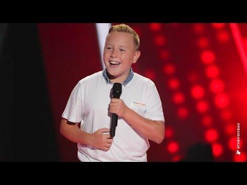 Robbie Sings Hey Soul Sister | The Voice Kids Australia 2014