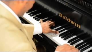 Dwayne Adell (Piano)