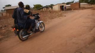 Promenade en moto au Bénin à Alfa Kpara mi décembre 2016