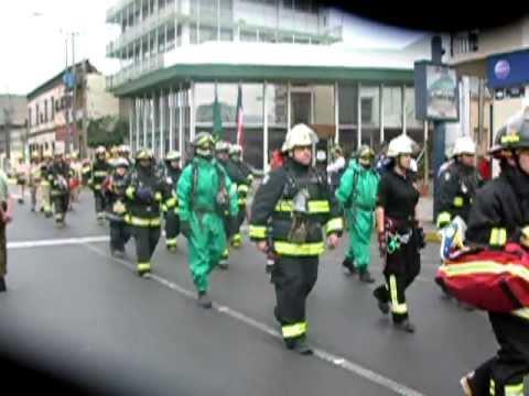 Desfile bomberos 2011 Cia14 y carros pate1 de 2