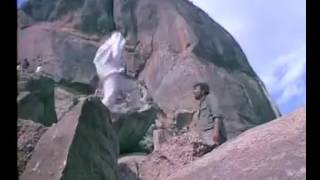The original climax of The Legendary Film of Bollywood SHOLAY... Must Watch