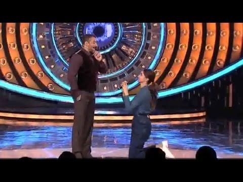 Deepika Padukone Proposes Salman Khan For Marriage | Watch Video