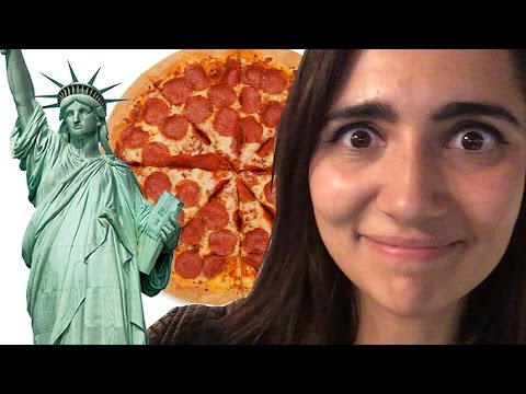 watch Chicagoans Try New York Pizza For The First Time